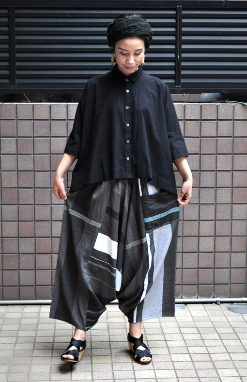「カジュアルワイド半袖シャツ」ブラック再入荷のお知らせ_d0193211_13445134.jpg