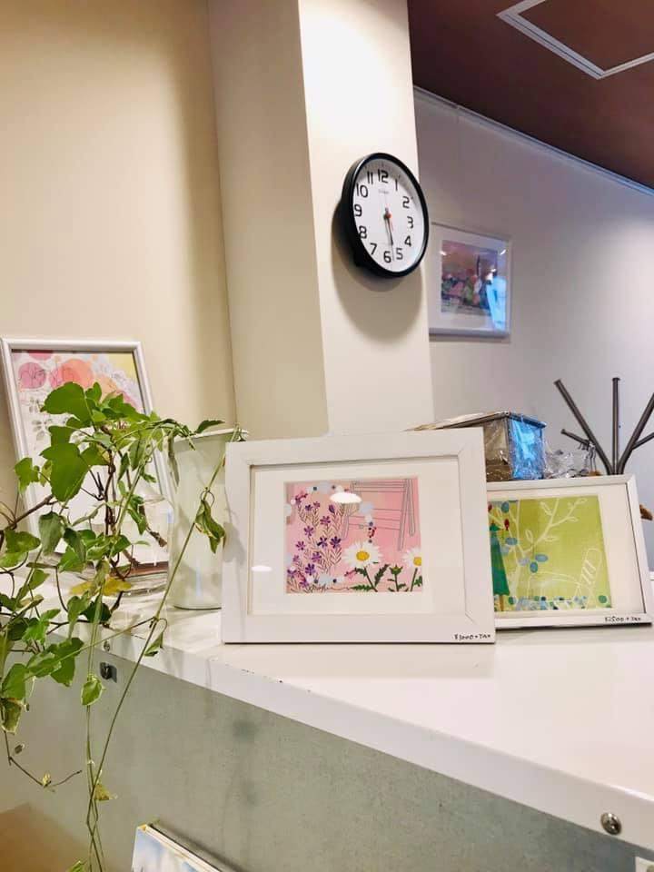 カフェに飾っていただいています。「わたしの庭のエトセトラ」_f0172313_05185150.jpg