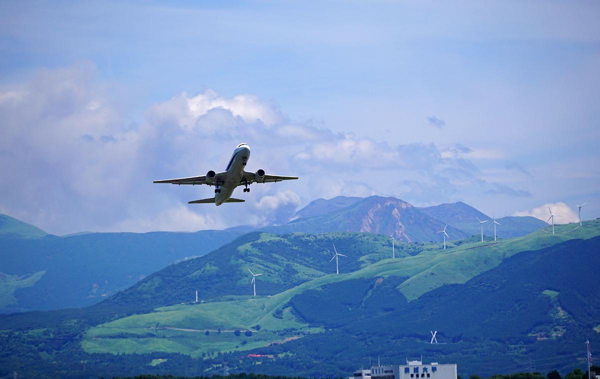 昨日の阿蘇熊本飛行場。_b0044115_07321020.jpg