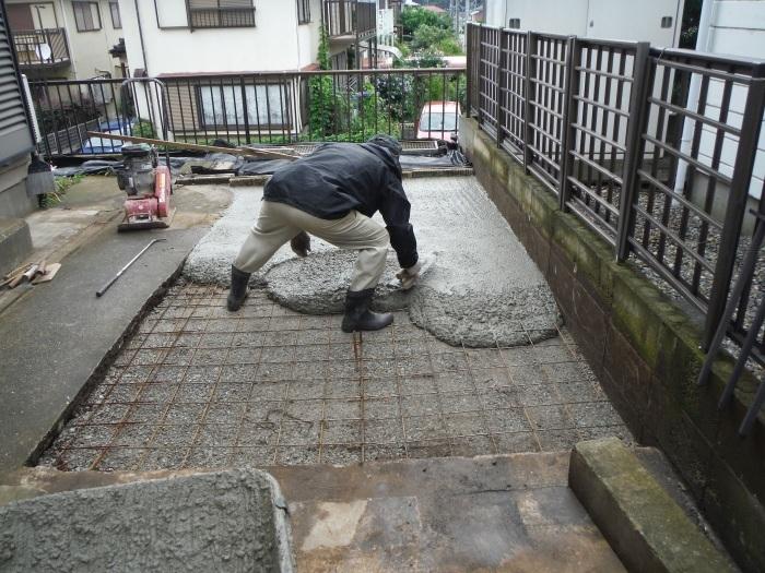 ウッドデッキ ~ コンクリート打ち_d0165368_05001560.jpg