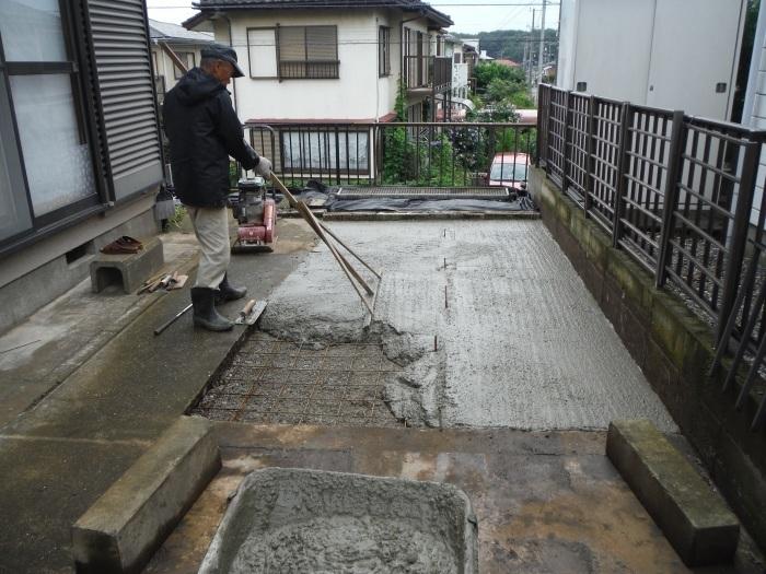 ウッドデッキ ~ コンクリート打ち_d0165368_05003129.jpg