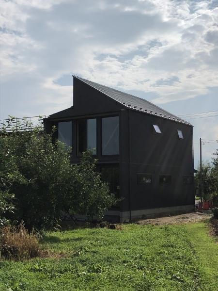 飯坂の家、竣工間近です。_b0118287_15461111.jpeg