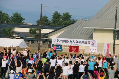 NHKラジオ体操によって健康増進!_c0075701_14185783.jpg