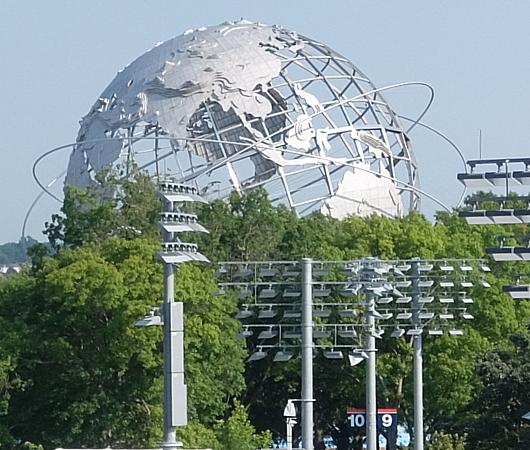 フォートナイト・ワールドカップの野外アトラクションの様子_b0007805_21013502.jpg