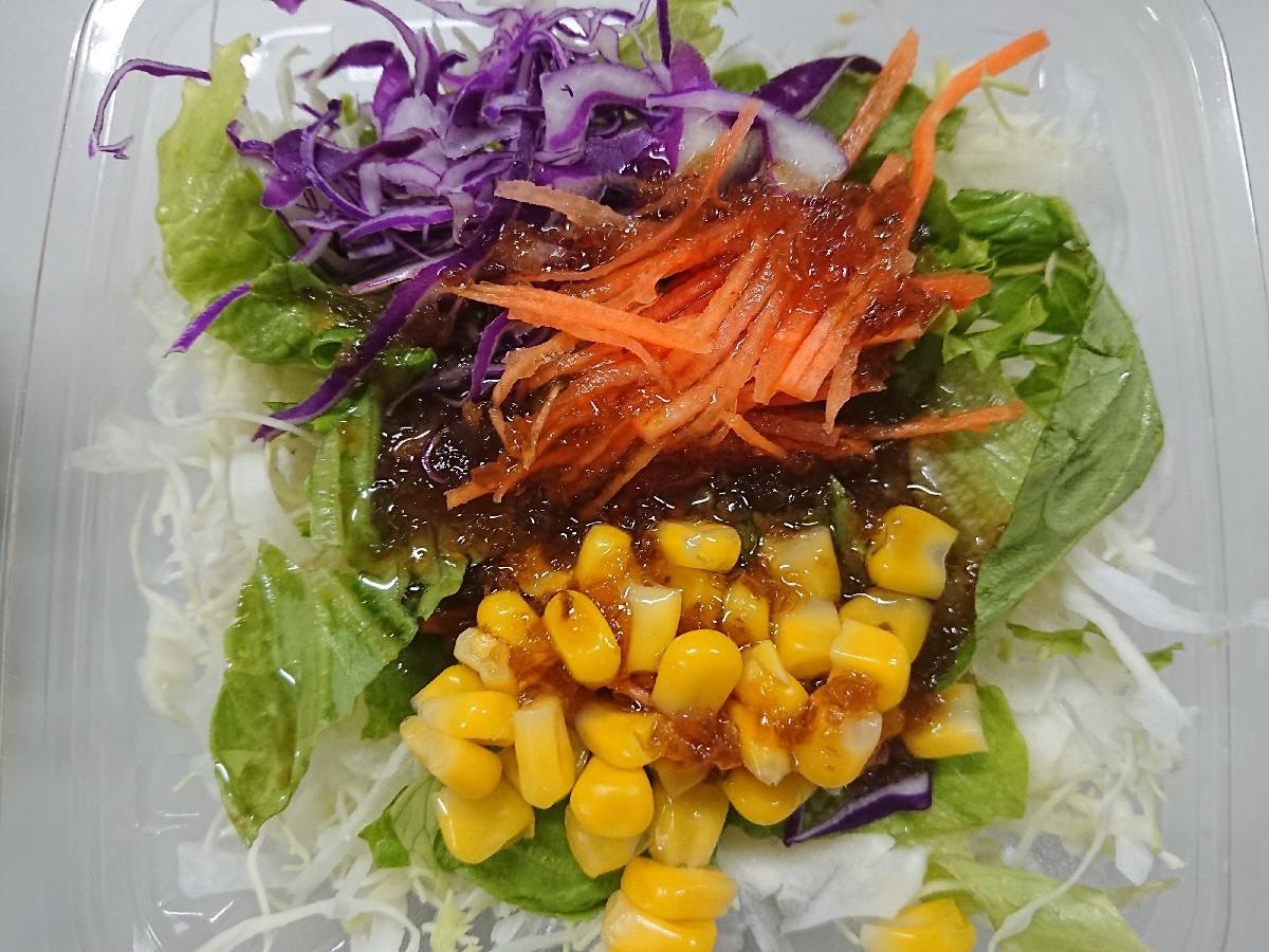 7/29  ファミマ 具だくさんミニ冷し中華 & フレッシュ野菜サラダ_b0042308_01291547.jpg