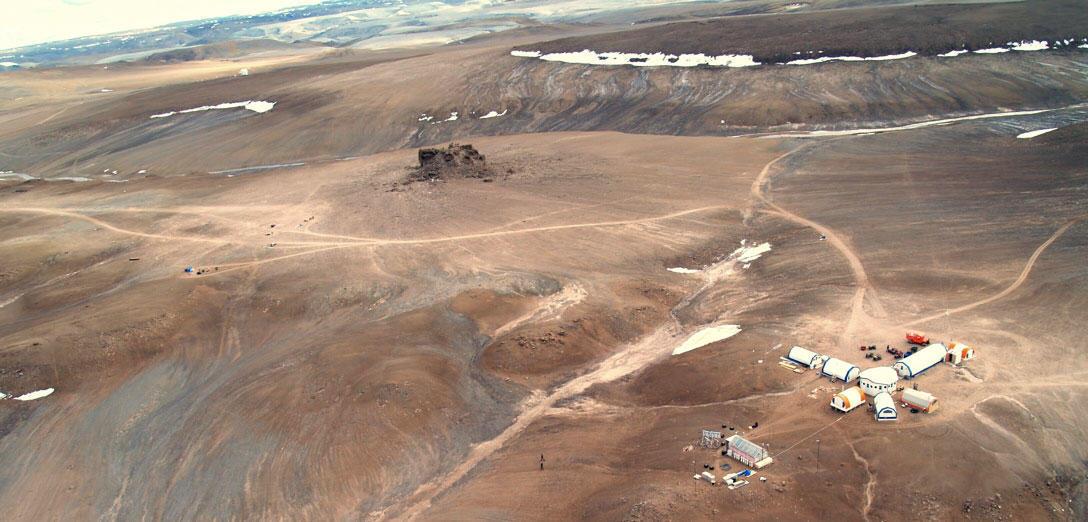 転載: 火星はカナダのテボン島に有るそうです。  _d0231432_12485091.jpg