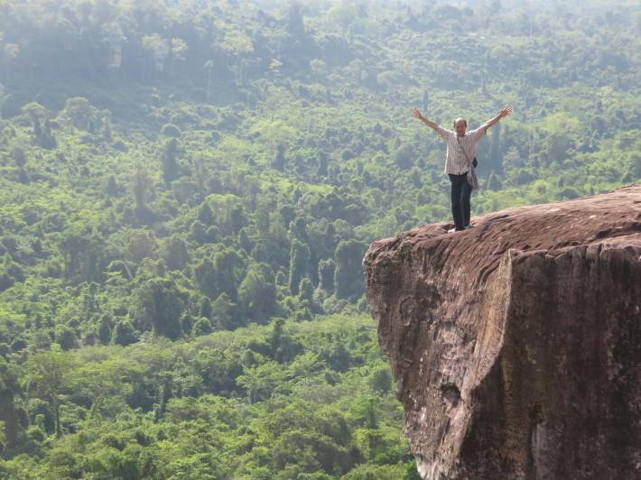 断崖絶壁の絶景@プーンタコー : マオマオ・カンボジア