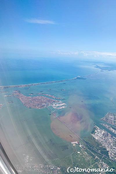 空から眺めたベネチアとパリ_c0024345_16172953.jpg