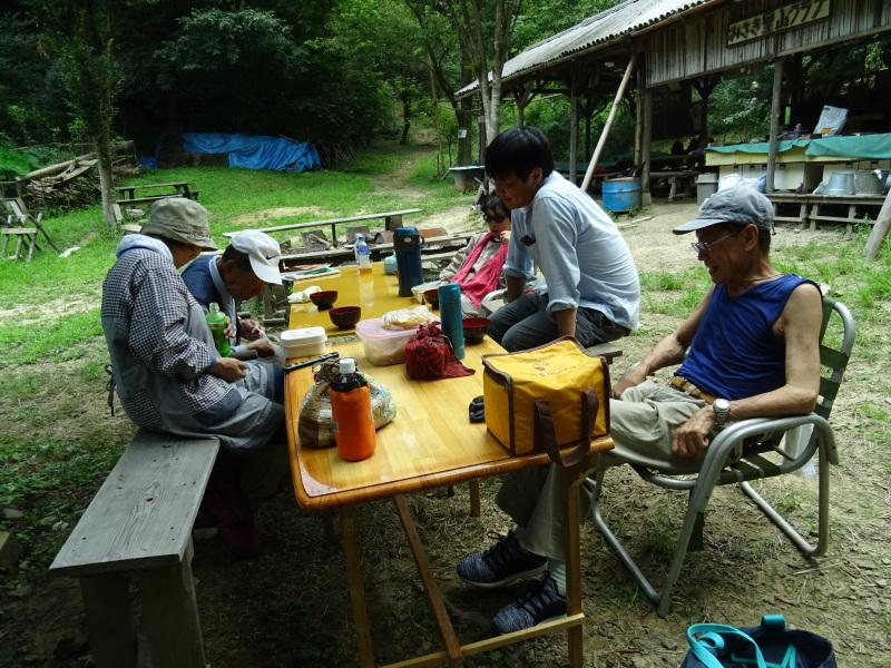 猛暑日は作業なし・・・孝子の森_c0108460_15533546.jpg