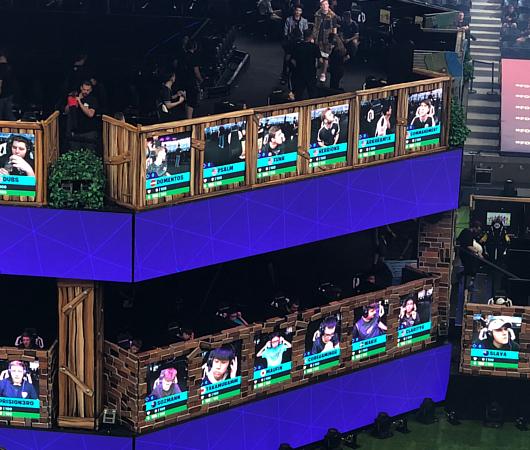 Fortnite World Cup 2019観戦記(1)巨大スクリーンとステージ_b0007805_22571498.jpg