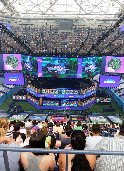 Fortnite World Cup 2019観戦記(1)巨大スクリーンとステージ_b0007805_23442068.jpg