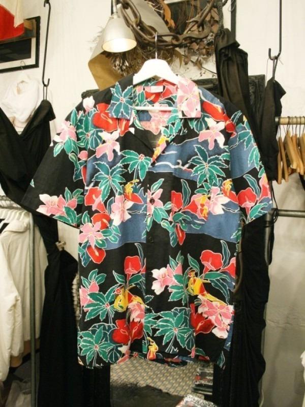 先日はANYのお二人と。 入荷柄シャツ、アロハシャツ、全て黒ベース!!_f0180307_21352357.jpg