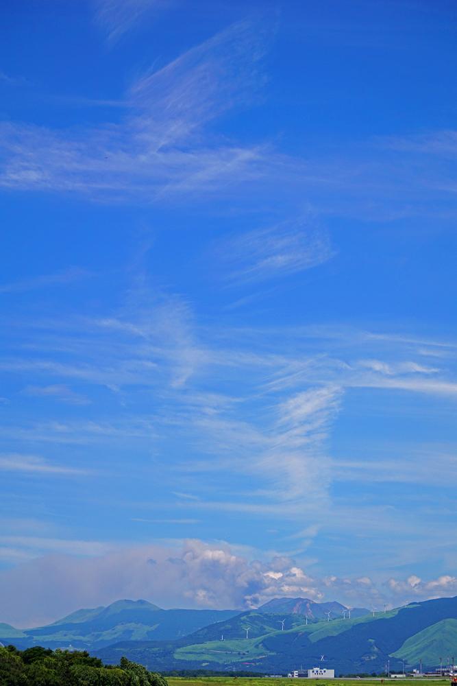 阿蘇山の白煙。_b0044115_06393642.jpg