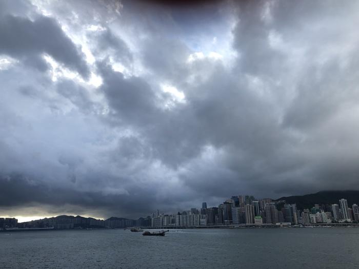 香港の変わらない空_a0169924_15583021.jpeg