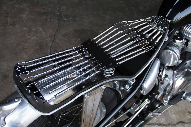 バイクのシートの設計_a0139843_01073357.jpg