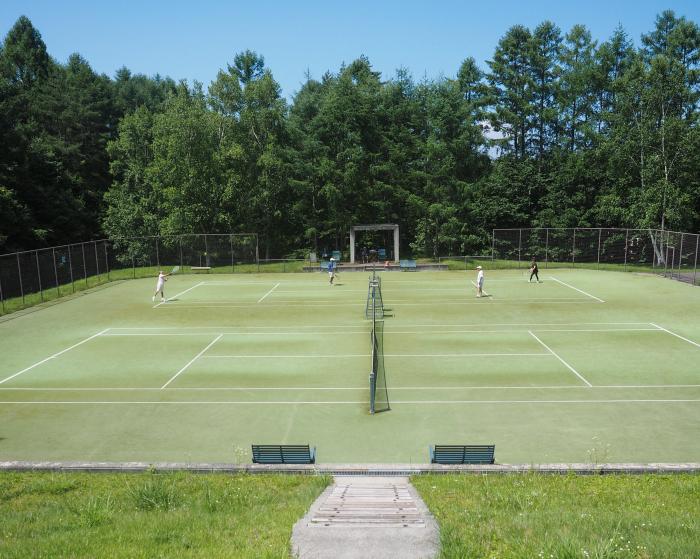 高原のテニスコート。_b0022268_19432305.jpg