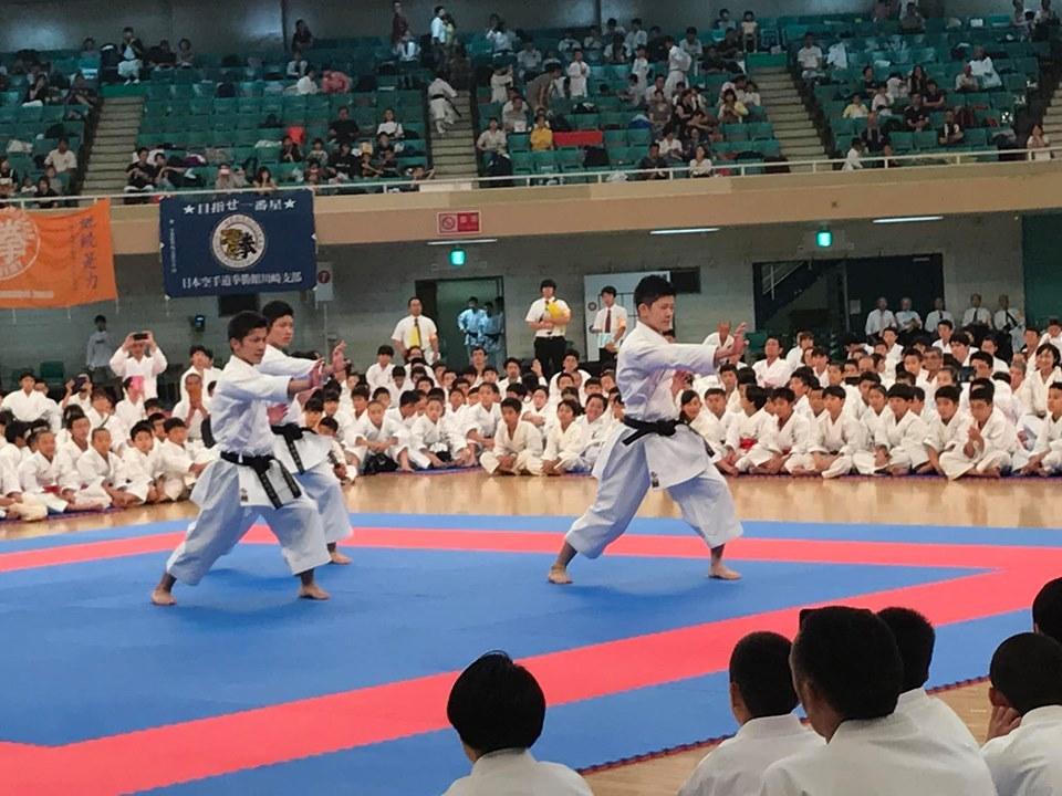 全日本少年少女武道錬成大会で演武_e0238098_12010867.jpg
