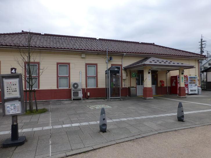 駅舎_c0051620_17181469.jpg