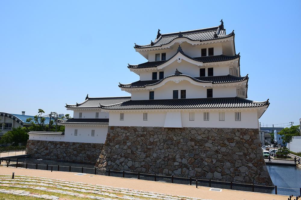 平成最後の築城、145年ぶりに甦った尼崎城天守。_e0158128_11164836.jpg