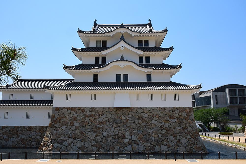 平成最後の築城、145年ぶりに甦った尼崎城天守。_e0158128_11165209.jpg