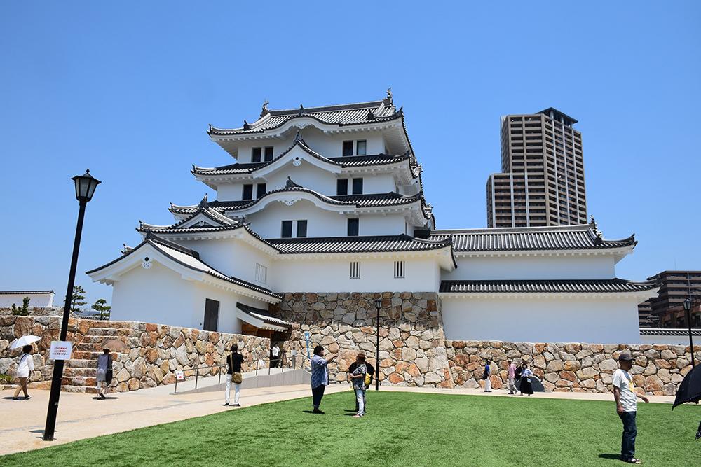 平成最後の築城、145年ぶりに甦った尼崎城天守。_e0158128_11192865.jpg