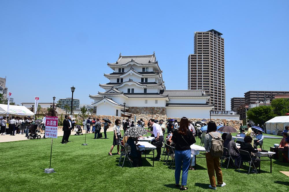 平成最後の築城、145年ぶりに甦った尼崎城天守。_e0158128_11225755.jpg