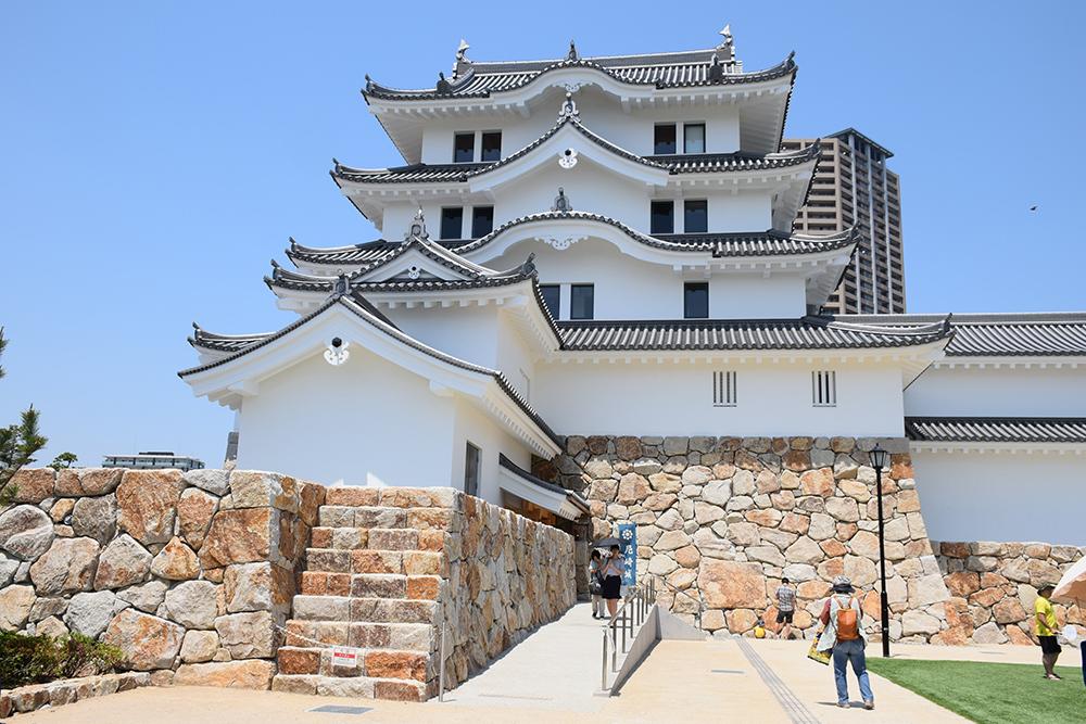 平成最後の築城、145年ぶりに甦った尼崎城天守。_e0158128_11295443.jpg