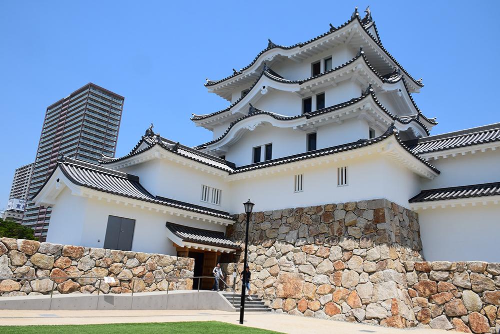 平成最後の築城、145年ぶりに甦った尼崎城天守。_e0158128_11295723.jpg