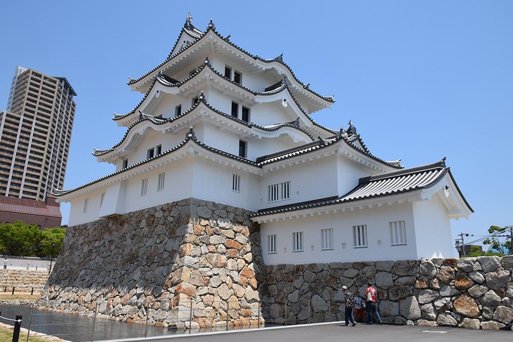 平成最後の築城、145年ぶりに甦った尼崎城天守。_e0158128_11300087.jpg