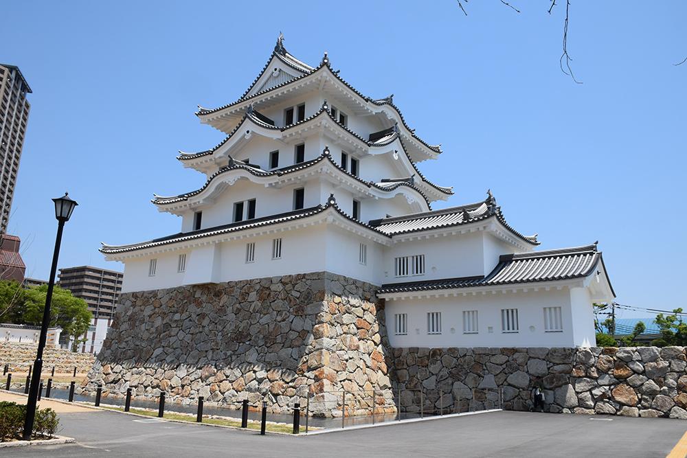 平成最後の築城、145年ぶりに甦った尼崎城天守。_e0158128_11300315.jpg