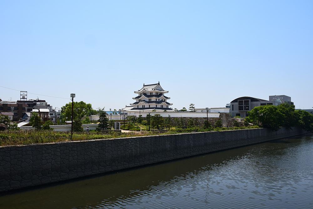 平成最後の築城、145年ぶりに甦った尼崎城天守。_e0158128_14033896.jpg