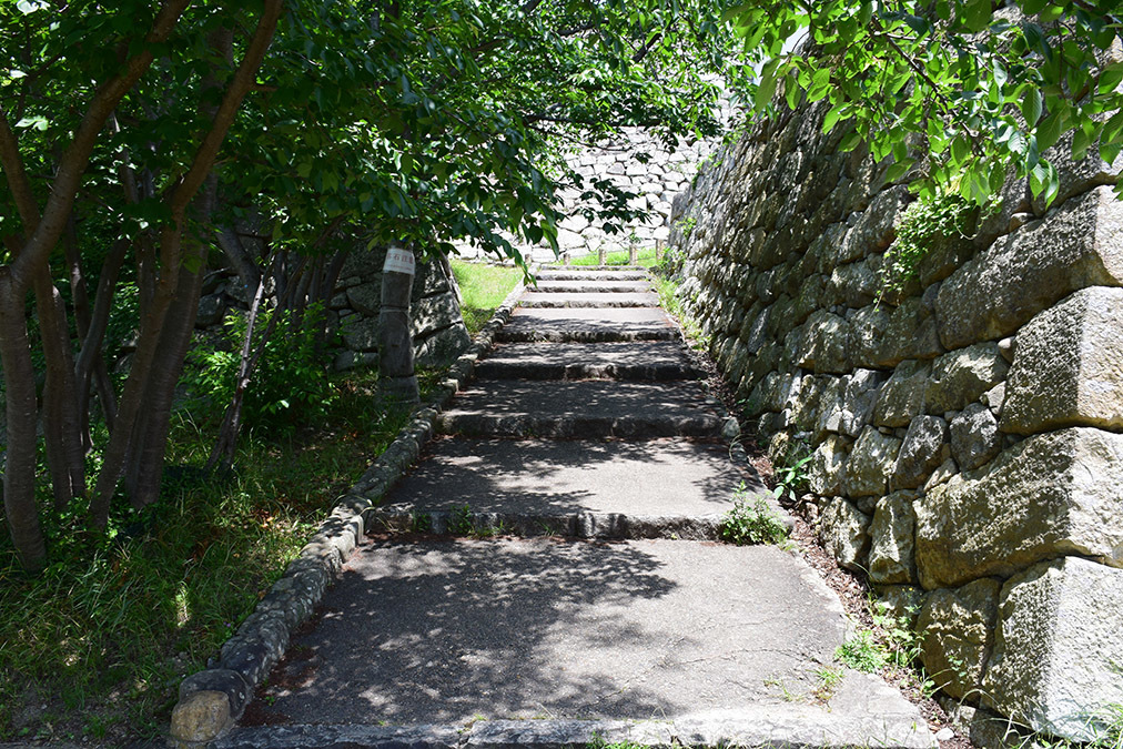 築城400周年の明石城を歩く。 その4 <稲荷郭>_e0158128_17280008.jpg
