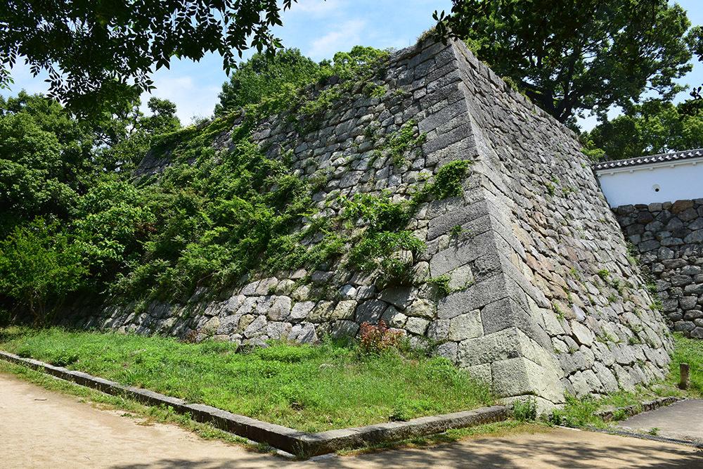 築城400周年の明石城を歩く。 その4 <稲荷郭>_e0158128_17330579.jpg