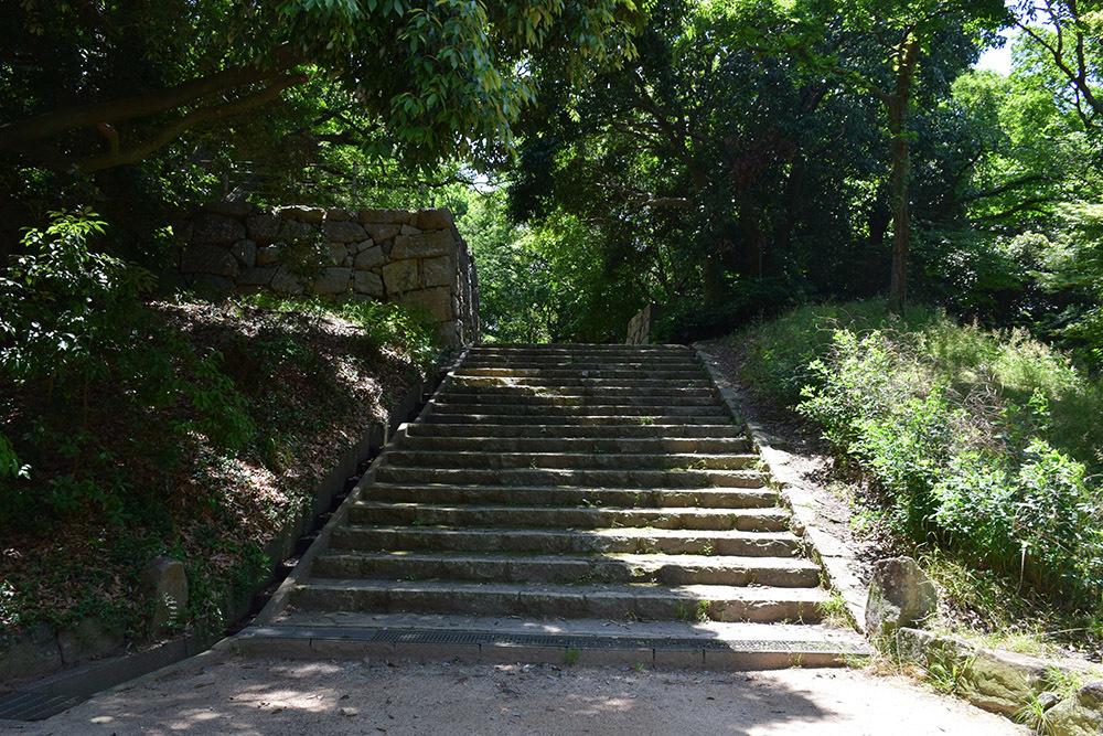 築城400周年の明石城を歩く。 その4 <稲荷郭>_e0158128_18124301.jpg