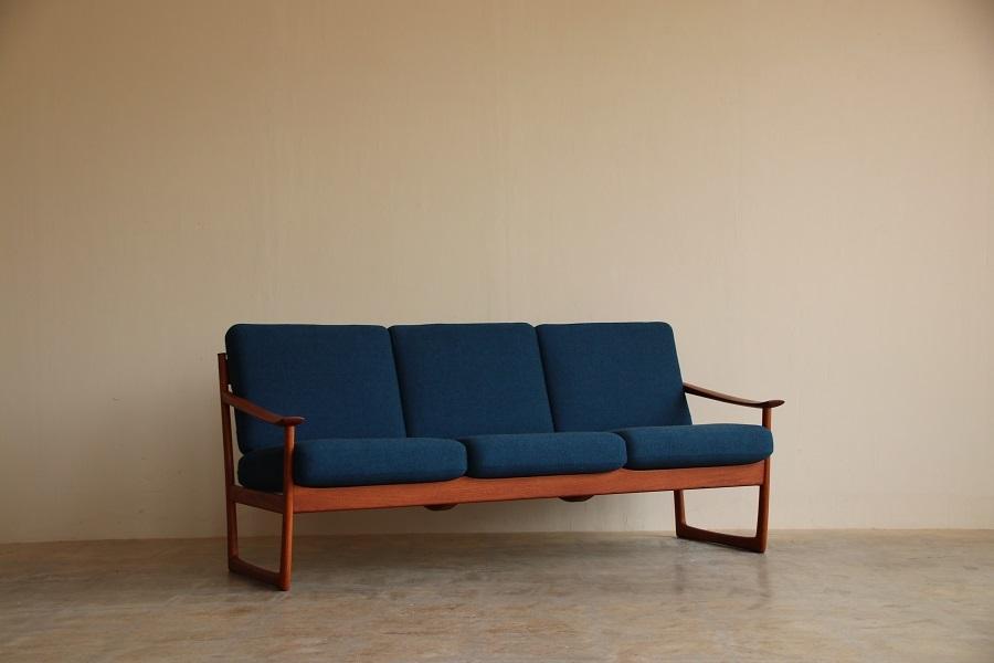『T様邸へ Peter Hvidt&Orla Molgaard Nielsen Teak Sofa』_c0211307_14440976.jpg