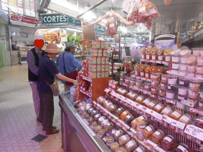 バレンシアで料理する3)なぜこのアパルトマン?市場 前編_a0095931_11282686.jpg