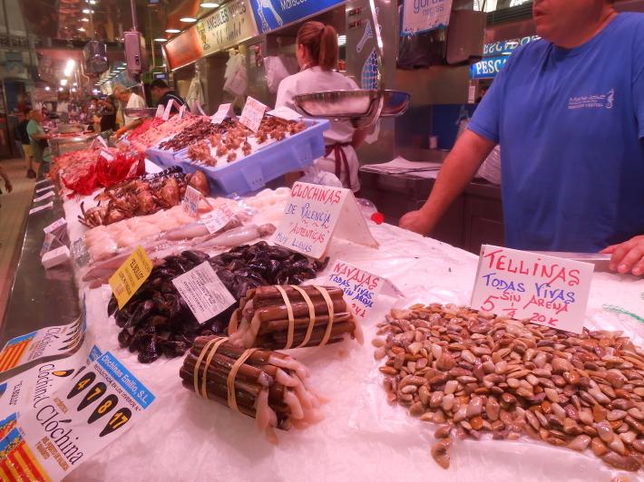 バレンシアで料理する3)なぜこのアパルトマン?市場 前編_a0095931_11460728.jpg