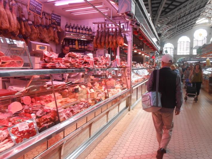 バレンシアで料理する3)なぜこのアパルトマン?市場 前編_a0095931_17464953.jpg