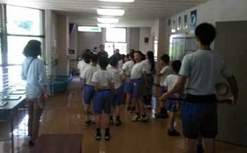 山中小学校と河南小学校の学習投影_b0025745_01442985.jpg