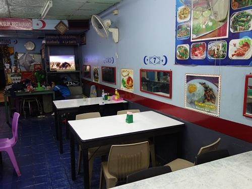 ハジャイのムスリム食堂でトウガラシ炒めの夕食_c0030645_15143692.jpg