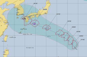 気になる台風 💛 今日のbento♪_c0139375_12483088.jpg