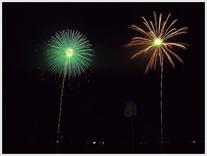 花火の撮影は本当に難しいですね、見る花火から撮る花火、いつになったら上手になるのか。。_b0175688_09133288.jpg