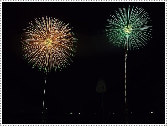 花火の撮影は本当に難しいですね、見る花火から撮る花火、いつになったら上手になるのか。。_b0175688_09133656.jpg