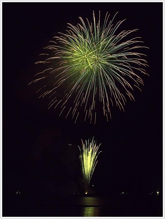 花火の撮影は本当に難しいですね、見る花火から撮る花火、いつになったら上手になるのか。。_b0175688_09150549.jpg