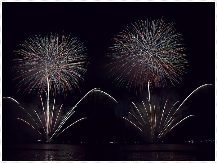 花火の撮影は本当に難しいですね、見る花火から撮る花火、いつになったら上手になるのか。。_b0175688_09155515.jpg