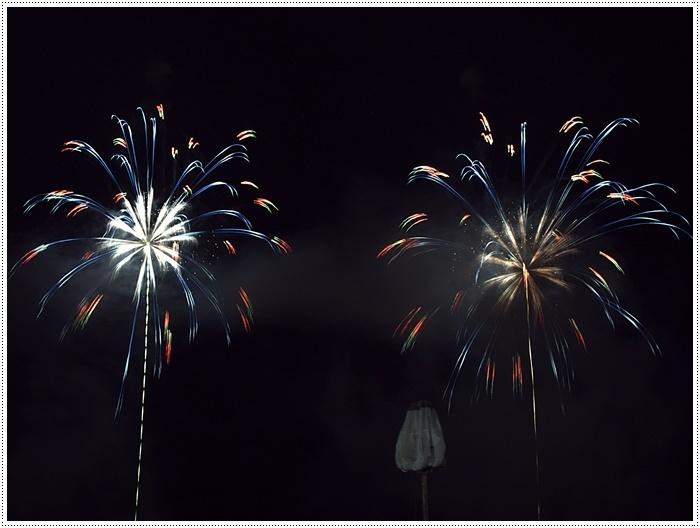 花火の撮影は本当に難しいですね、見る花火から撮る花火、いつになったら上手になるのか。。_b0175688_09160655.jpg