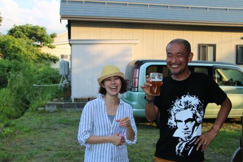 黒田充紀・三佳ご夫妻オーナーのDARAKE農園のビアパーティーに参加_c0075701_20541170.jpg