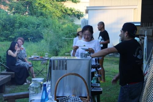 黒田充紀・三佳ご夫妻オーナーのDARAKE農園のビアパーティーに参加_c0075701_20544910.jpg