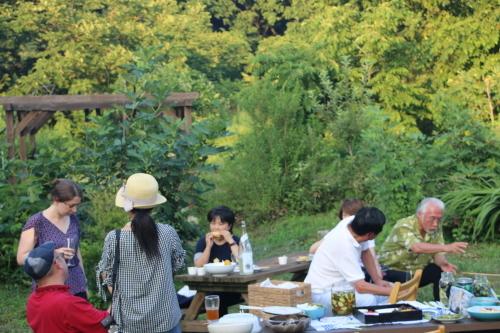 黒田充紀・三佳ご夫妻オーナーのDARAKE農園のビアパーティーに参加_c0075701_20553780.jpg