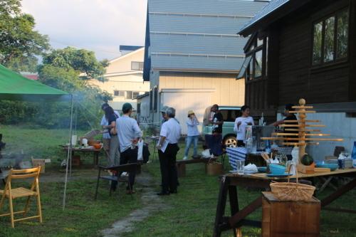 黒田充紀・三佳ご夫妻オーナーのDARAKE農園のビアパーティーに参加_c0075701_20554977.jpg